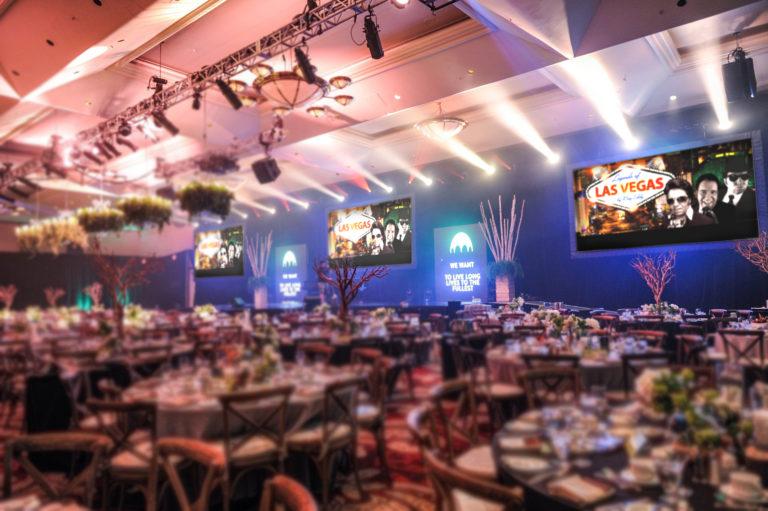 Mr. Vegas singt The Legends of Las Vegas – Sound of Las Vegas – Rat Pack – Frank Sinatra – Elvis Presley – Neil Diamond – Barry Manilow — Profi Live Band-Tribute Show Künstler-Duo Musiker Sänger für Events, Show- & Unterhaltungskünstler für Feier, Events, Veranstaltung buchen oder engagieren